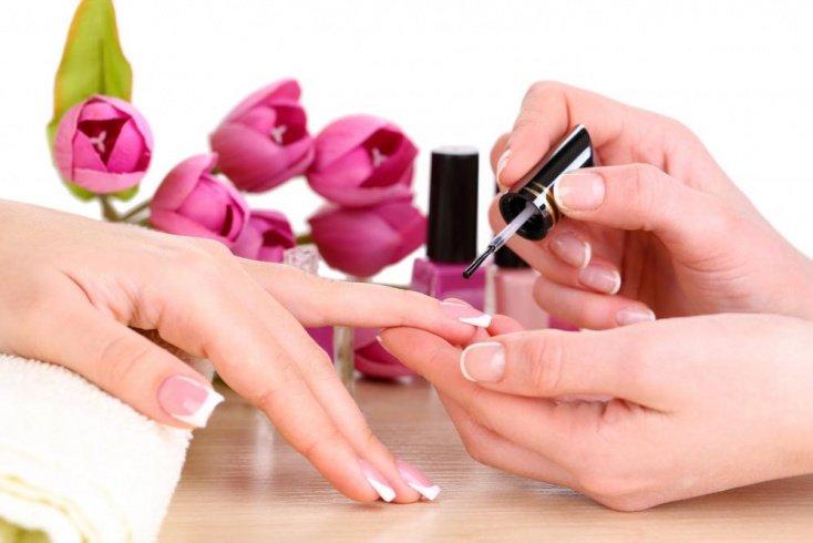 Недостатки и противопоказания для покрытия ногтей гель-лаком