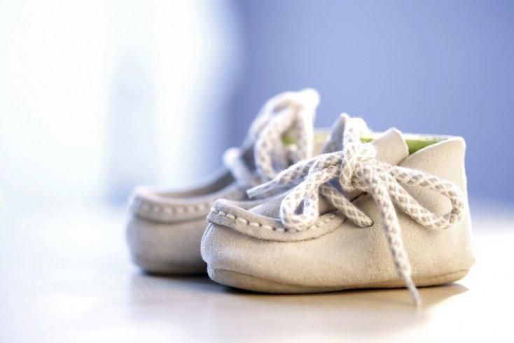 Лучшие бренды детской обуви для первых шагов