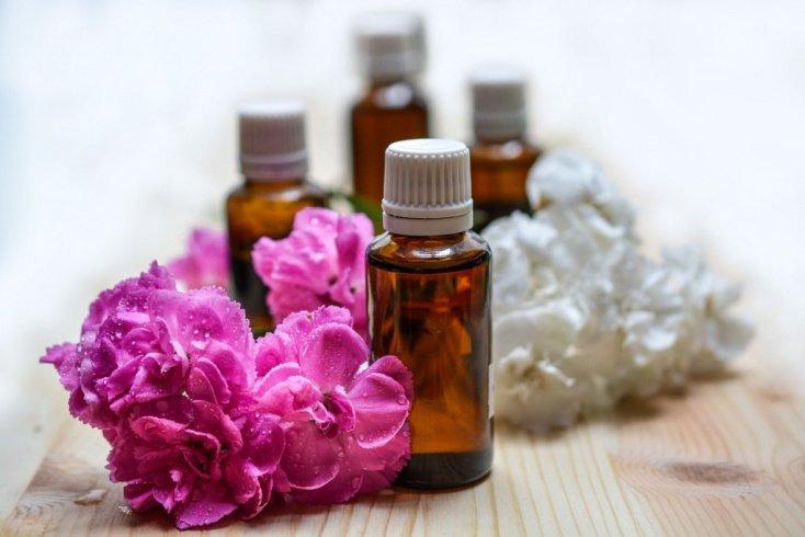 Эфирные масла: приятный аромат и качественный уход за телом