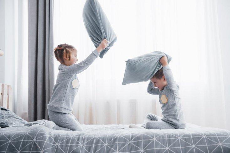 Игра «упрямая подушка»