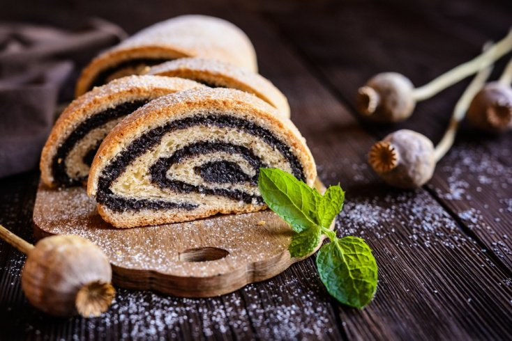 Орехово-маковый штрудель на десерт