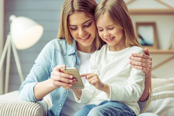 Дошкольный возраст: нужен ли телефон?