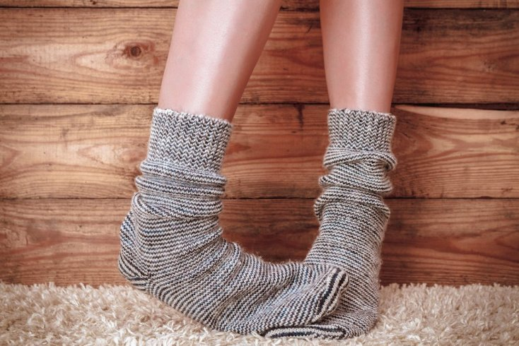 5. Не носите синтетические носки и колготки
