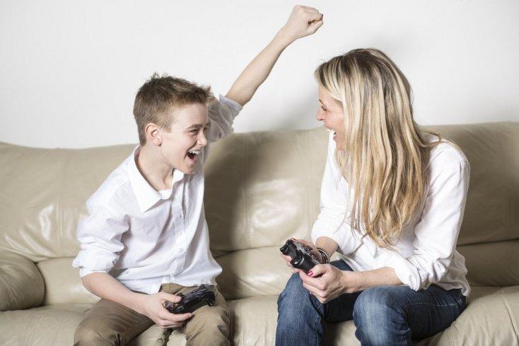 Показывайте детям положительный пример