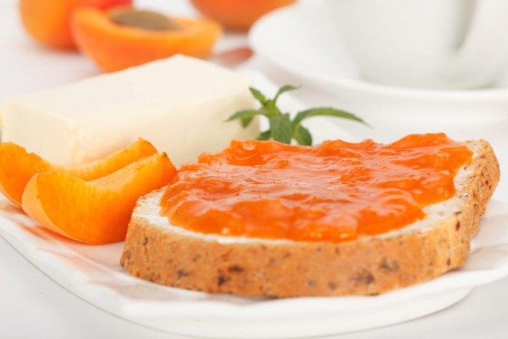 Рецепты для всей семьи: варенье из абрикосов и слив