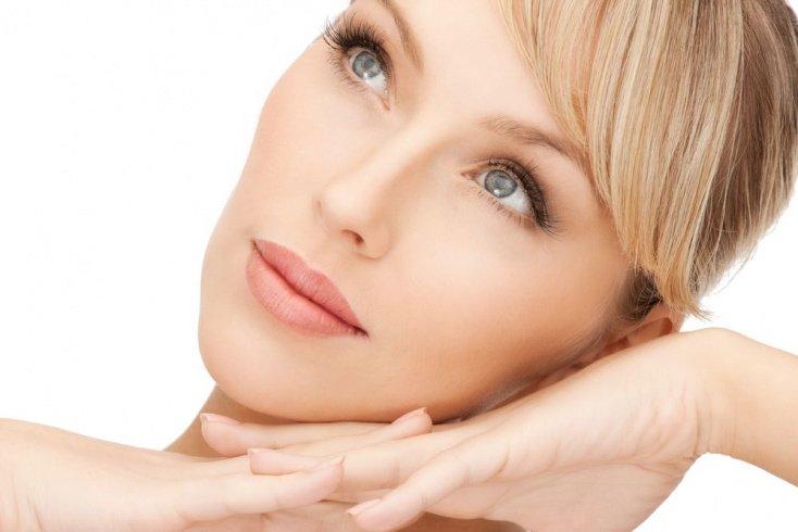 Какие компоненты оказывают наибольшее влияние на красоту лица женщины?