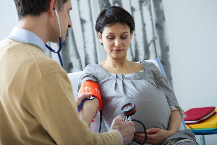 Родоразрешение: кесарево сечение или физиологические роды