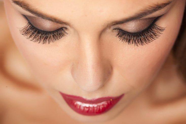5. Ингредиенты косметики могут вызвать появление аллергии