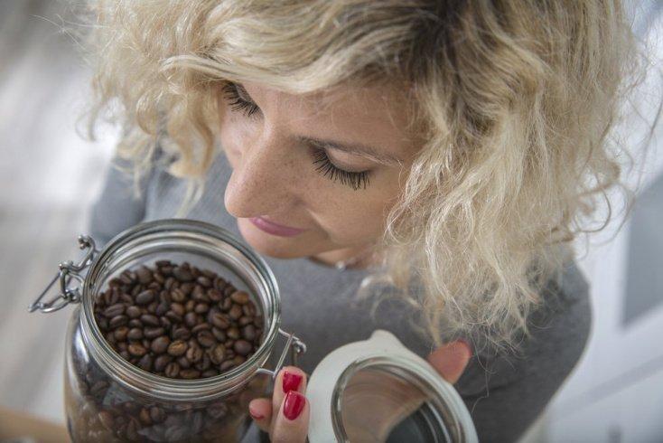 Воздействие кофе на волосы