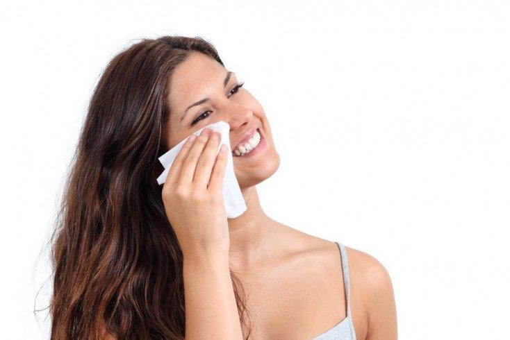 Матирующие салфетки: убираем жирный блеск кожи