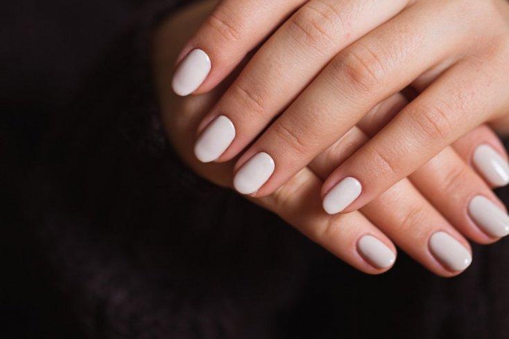 Интенсивный глянец на ногтях