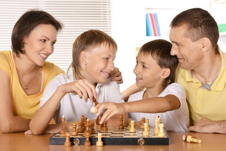 Учим кроху хорошим манерам: полезные рекомендации родителям