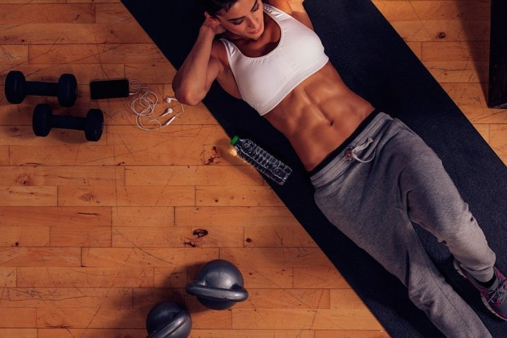 Фитнес для живота и боков: комплекс упражнений