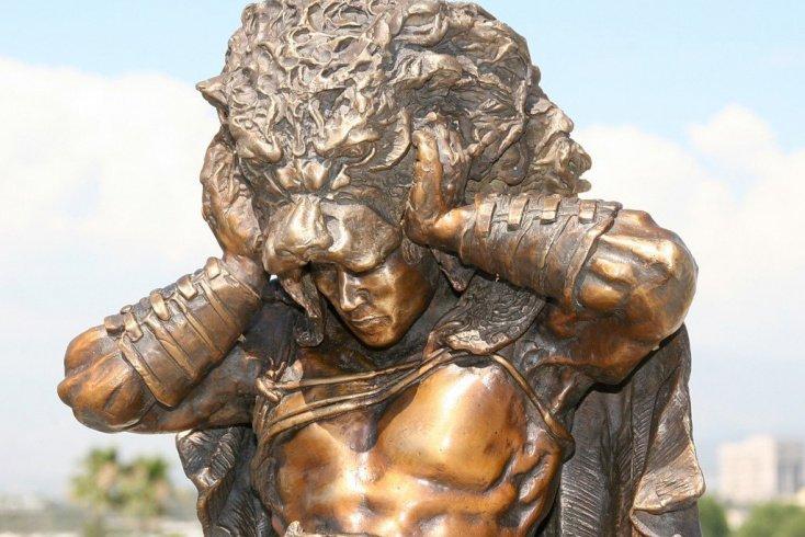 По легенде, основателем Олимпийских игр был Геракл