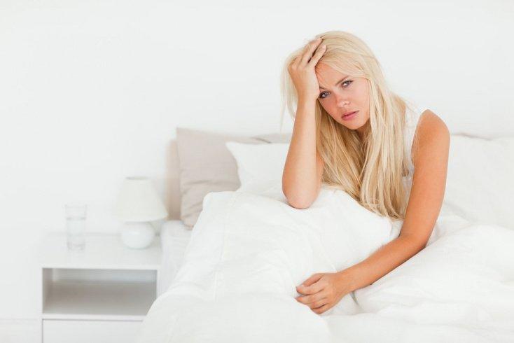 Слабость и озноб — частые симптомы при простуде