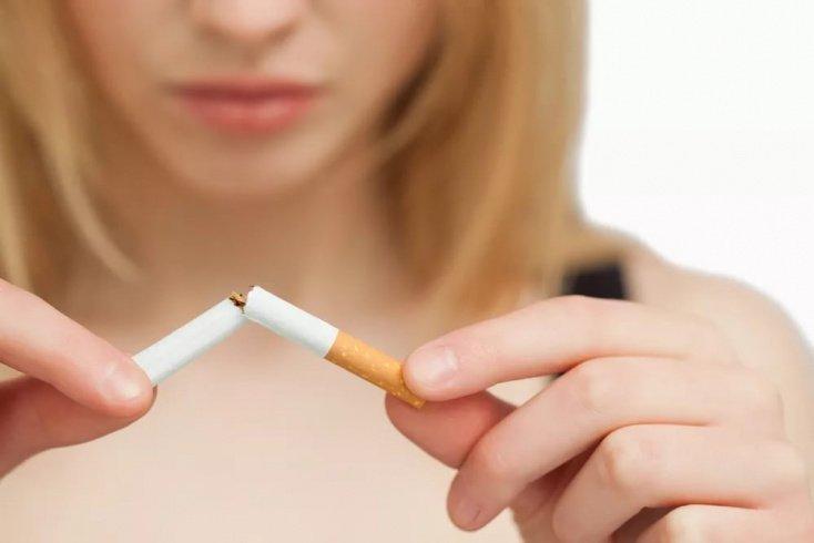 Можно ли при грудном вскармливании курить «по безопасной схеме»?