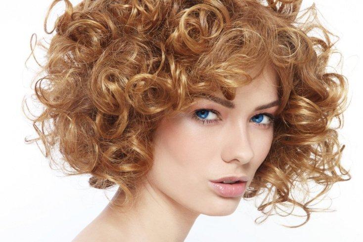Почему кудрявые волосы требуют тщательного ухода?