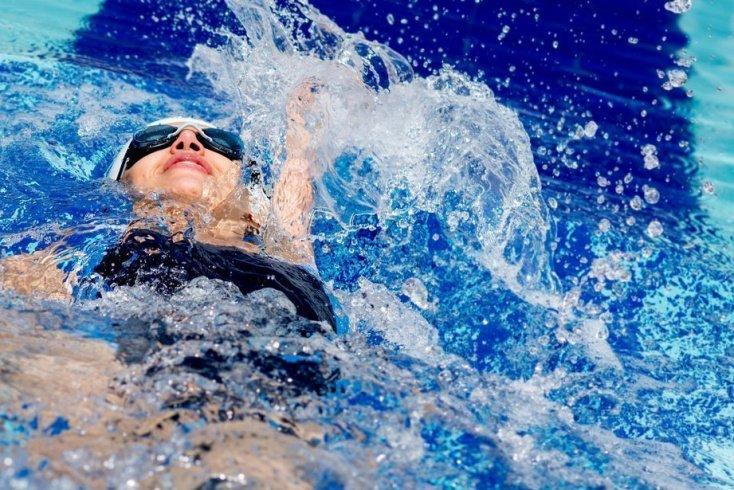 Недостатки занятий фитнесом в бассейне