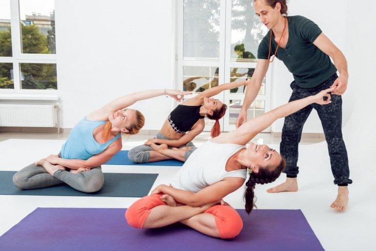 Различные направления йоги