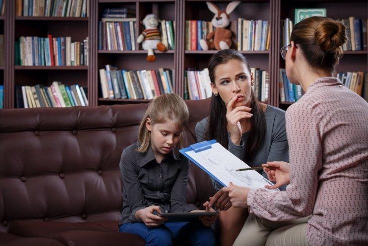 Важные советы психолога при общении с няней