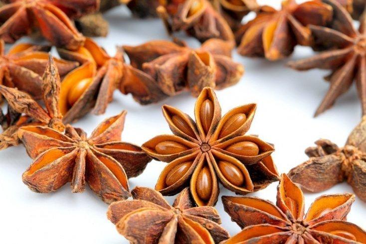 Бадьян: украшение и пряность для блюд с фруктами