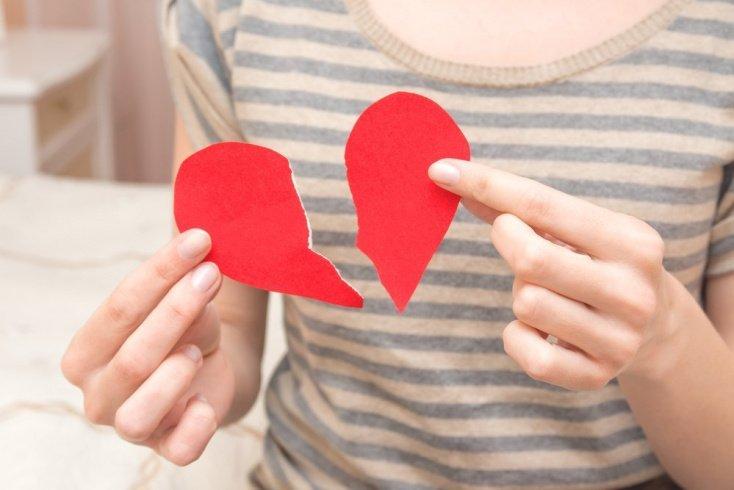 Разбитая любовь: почему человек боится перемен?