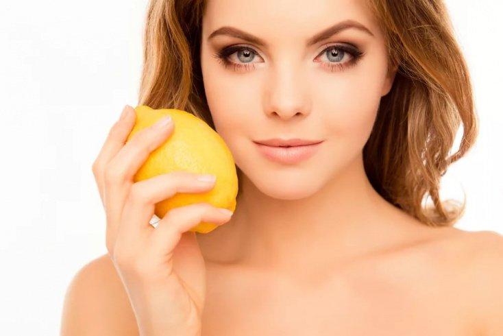 Лимонный сок в уходе за жирным покровом