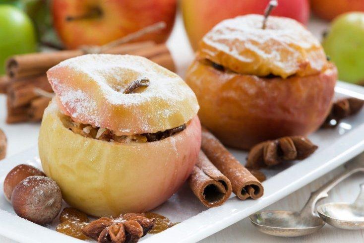 Запеченные яблоки со сливочным соусом