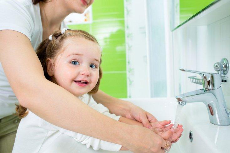 Профилактика конъюнктивита у новорожденных и детей более старшего возраста