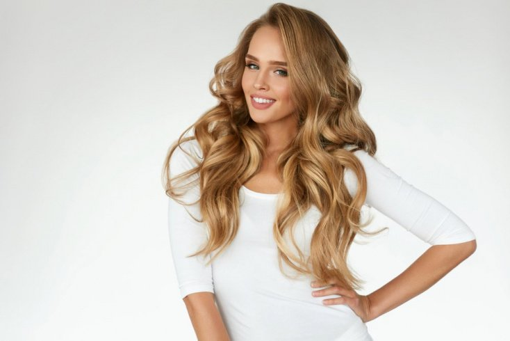Почему красивые волосы теряют привлекательность летом?