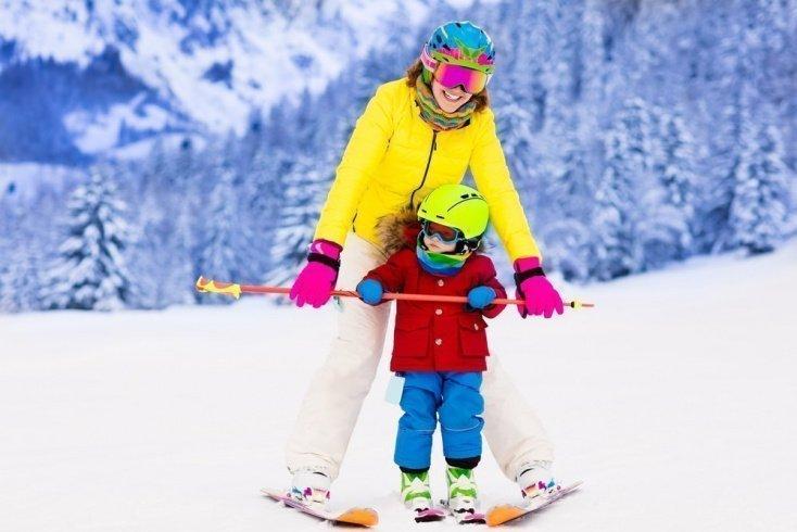 Возраст ребенка: своевременное знакомство с лыжами