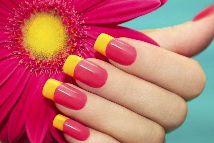 Цветной френч: радуга на ногтях