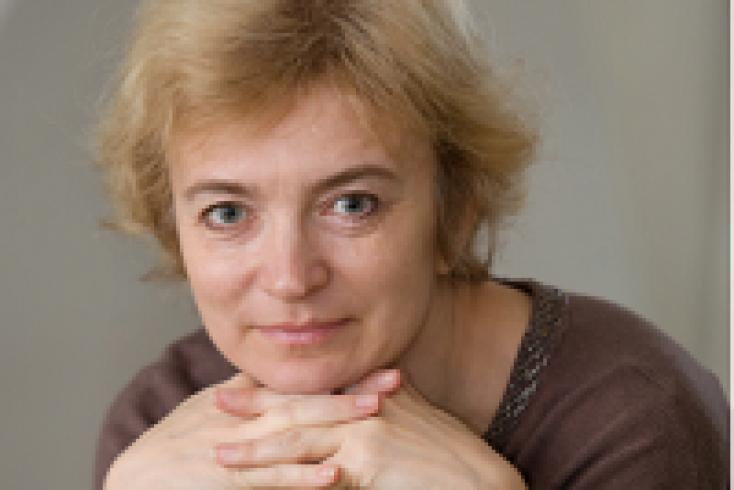 Ольга Разволгина, дипломированный специалист в области психологического консультирования, эмоционально-когнитивной психотерапии, психодрамы и гештальттерапии, работает в психологическом центре «Квартет».png