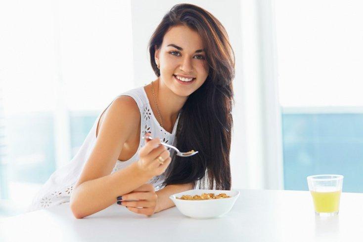 Как строить отношения с окружающими, соблюдая диету для похудения