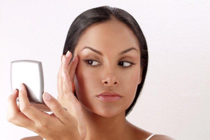 Техника нанесения тонального крема на лицо
