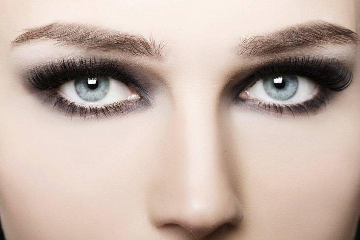 Техника smoky eyes: классический вечерний макияж глаз