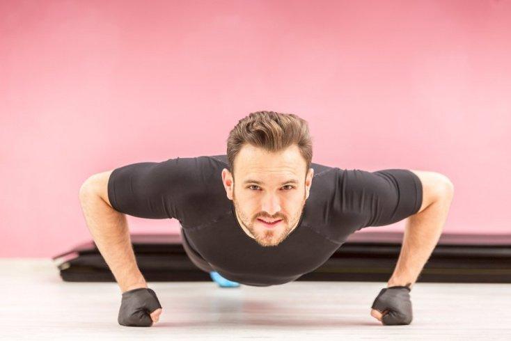 Отжимания — эффективные физические упражнения