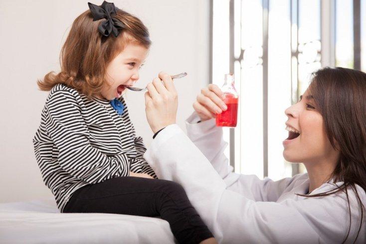 Лечение кашля: от антибиотиков до народных рецептов