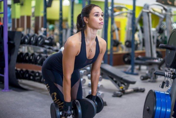 Лучшие упражнения для спинных мышц с гантелями