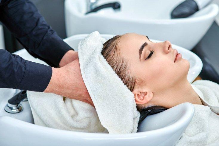 Преимущества лифтинга для волос, показания