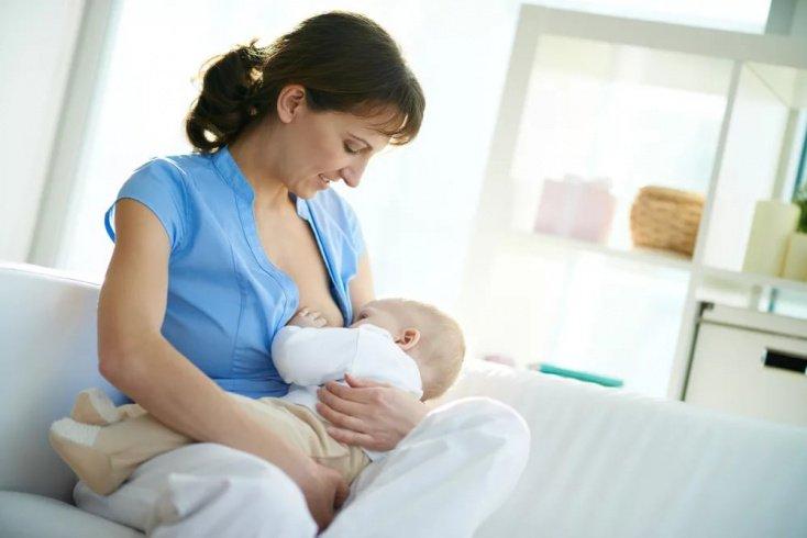 Развенчаем мифы о кормлении грудничка