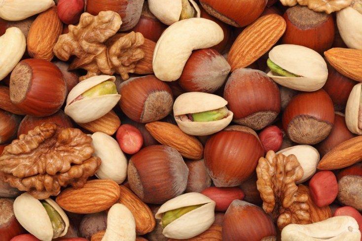 6. Чаще перекусывайте орешками