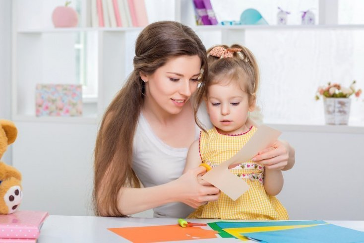 Поделка для детского сада — бумажная куколка-масленица