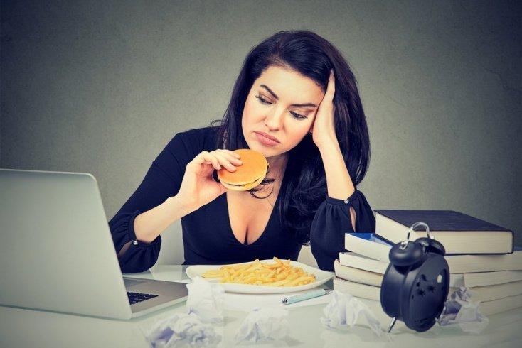 Стресс влияет на привычки