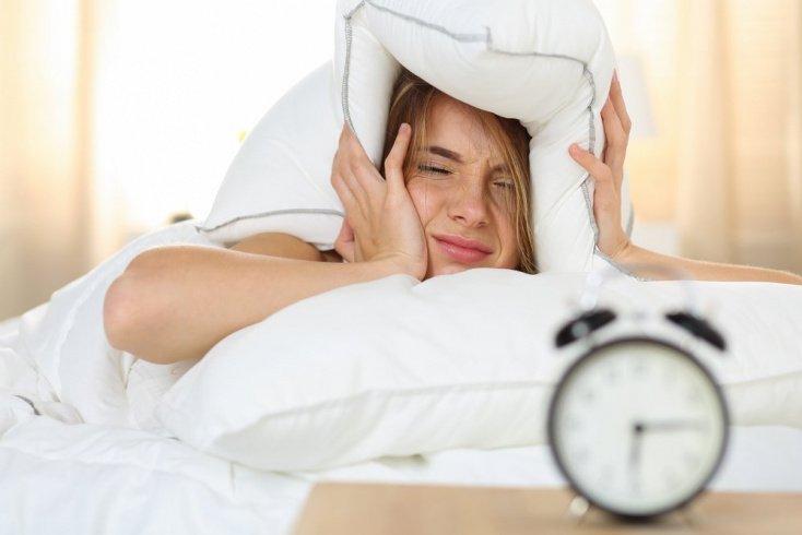 Вредная привычка мало спать: как проснуться после бессонной ночи?