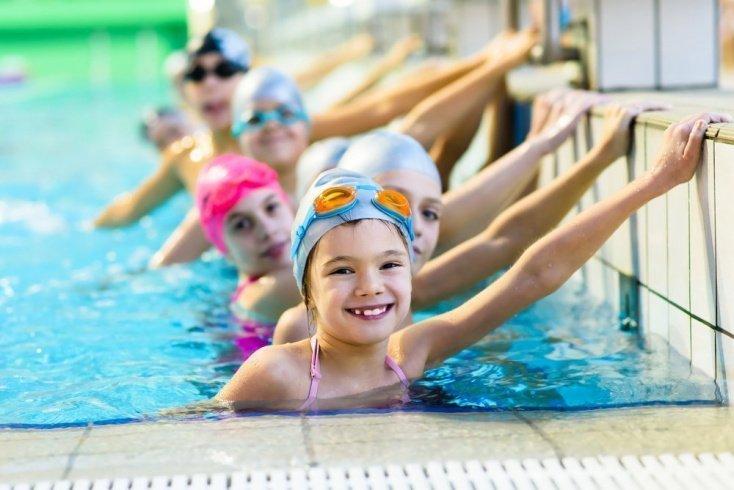 Меры безопасности в бассейне для детей