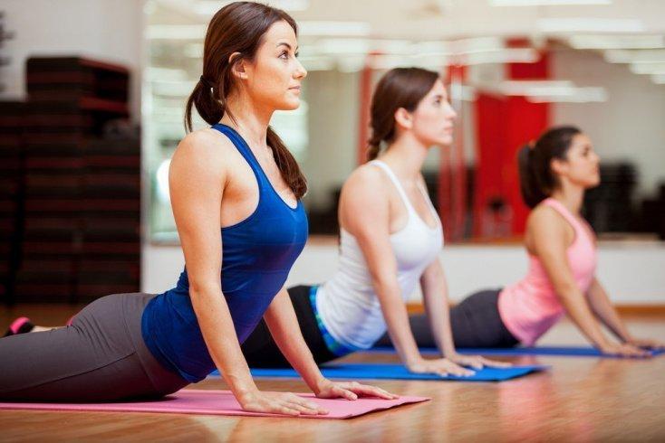 Позы йоги для хорошего настроения