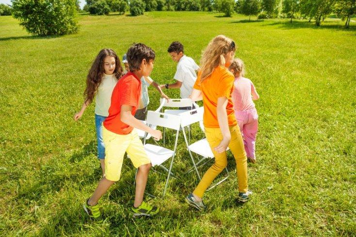 Почему родители беспокоятся, когда дети обзаводятся друзьями с большой разницей в возрасте?