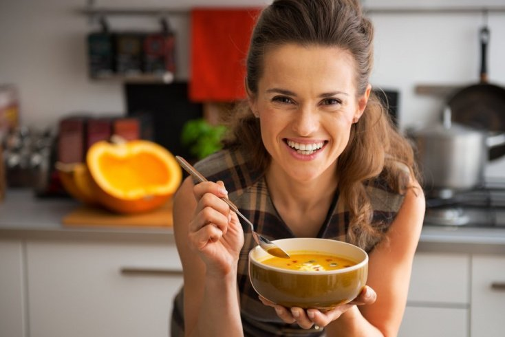 7. Вы едите слишком редко, игнорируя чувство голода
