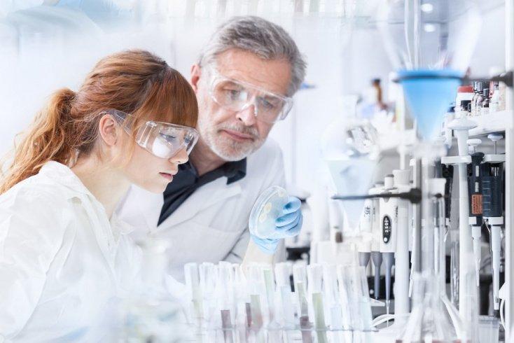 ДНК-тесты на отцовство: сколько мужчин воспитывают чужих детей?